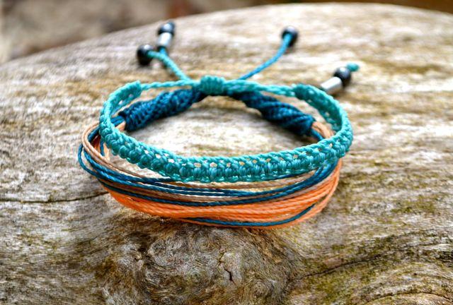 Macrame frindship bracelets by Coco Paniora Salinas of Rumi Sumaq rumisumaq.com