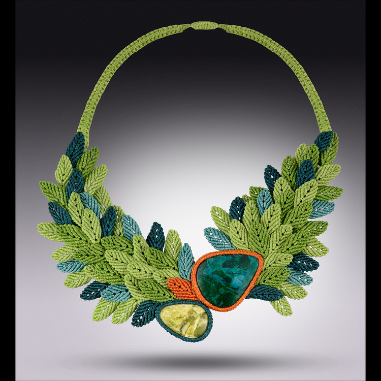 """Macrame Necklace Primavera Rising"""