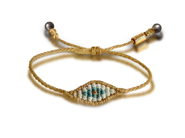 Macrame evil eye bracelet by Coco Paniora Salinas of Rumi Sumaq on A Dash of Details blog
