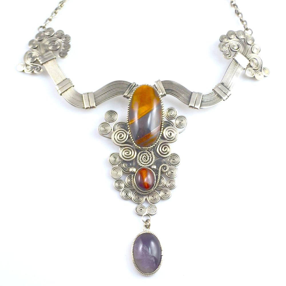 Art jewelry, wirework Kusa Necklace