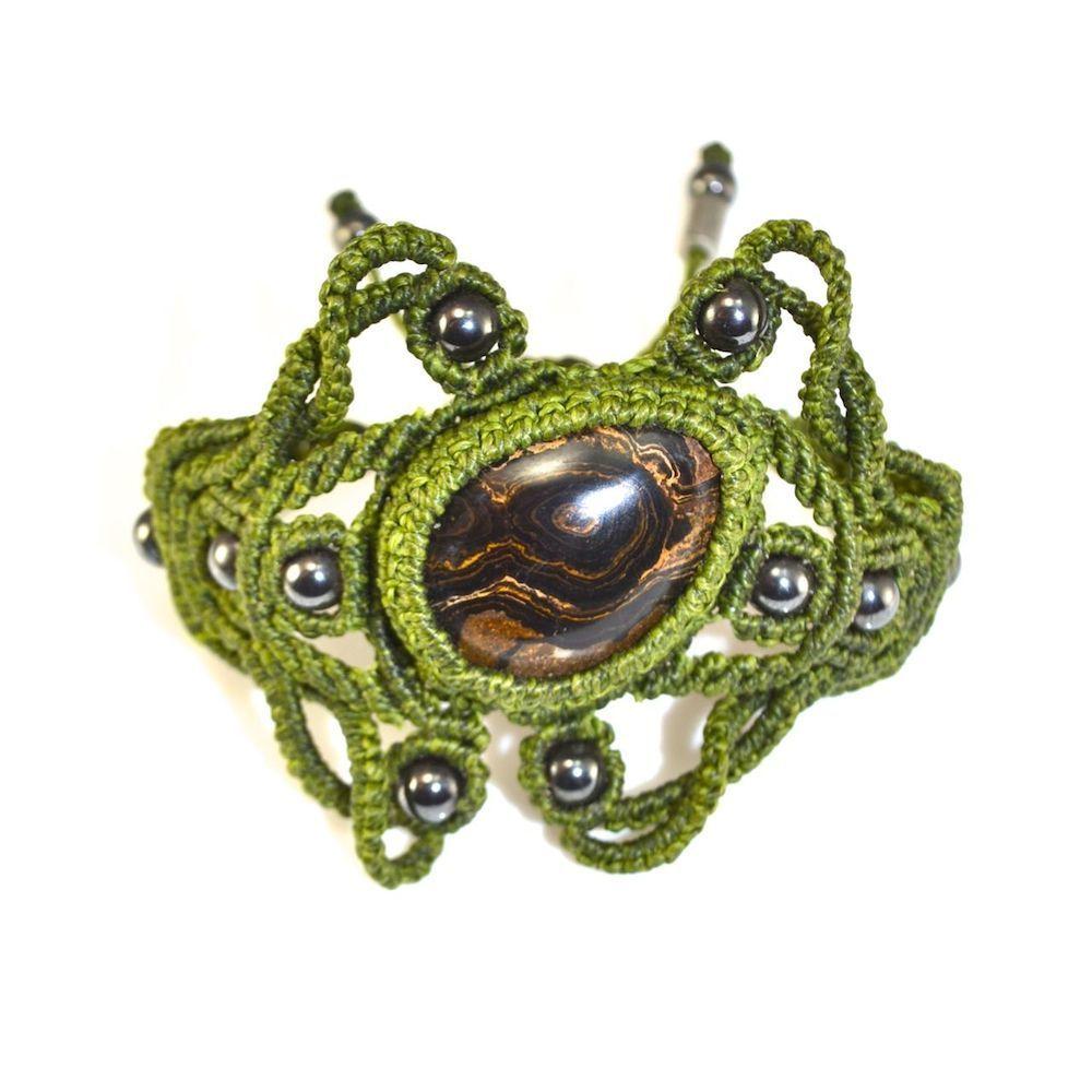 Siniya macrame bracelet by fiber art jewelry designer Coco Paniora Salinas of Rumi Sumaq