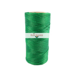 Find 1mm Linhasita 1045 green waxed polyester cord at RUMI SUMAQ, the premier retailer for hilo encerrado waxed cords for beading and macrame jewelry.