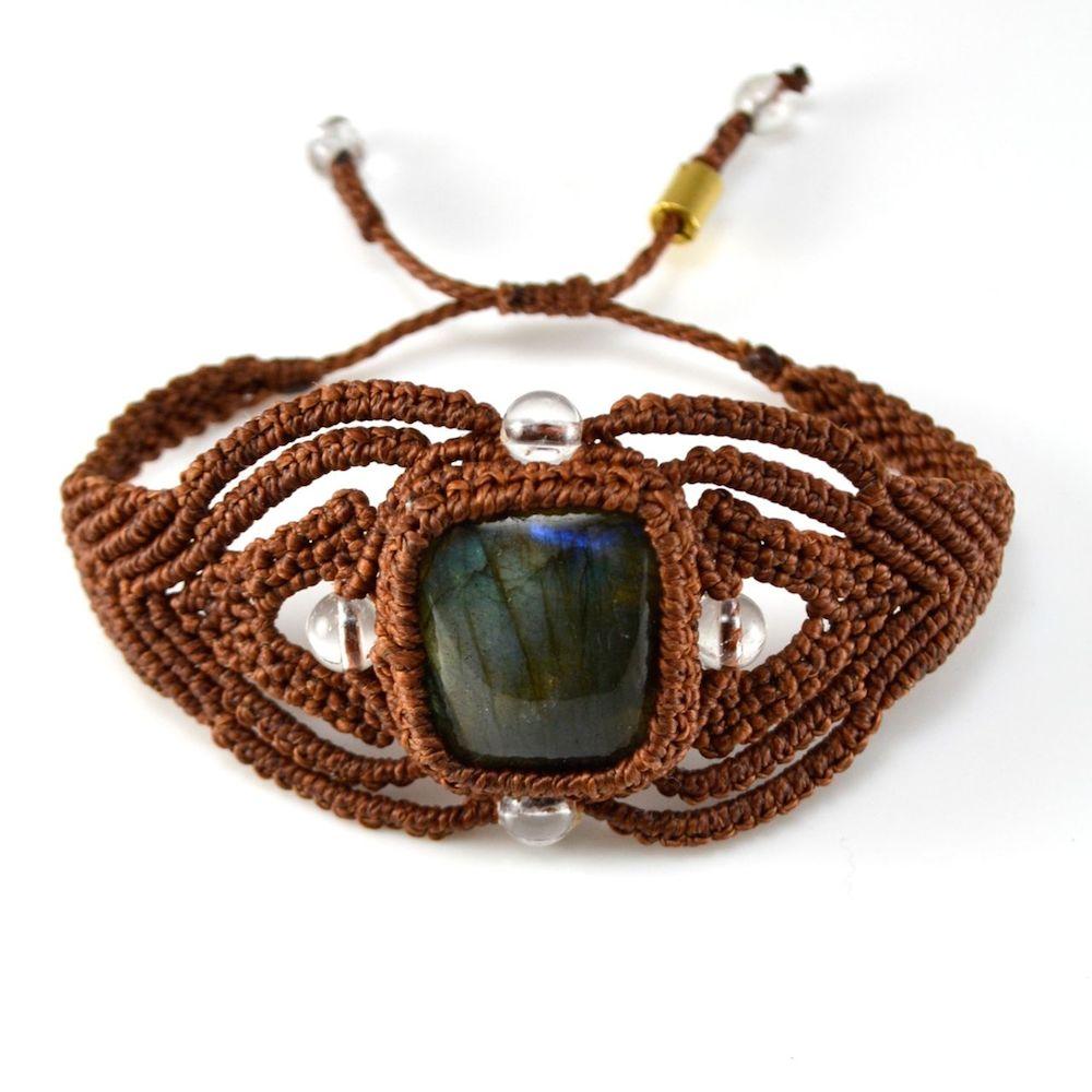 Macramé Bracelet Pacha by Coco Paniora Salinas of Rumi Sumaq